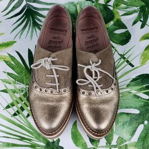 Wonders A3911 taupe suede metallic leather laceup